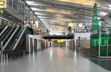 Lege terminals op Schiphol
